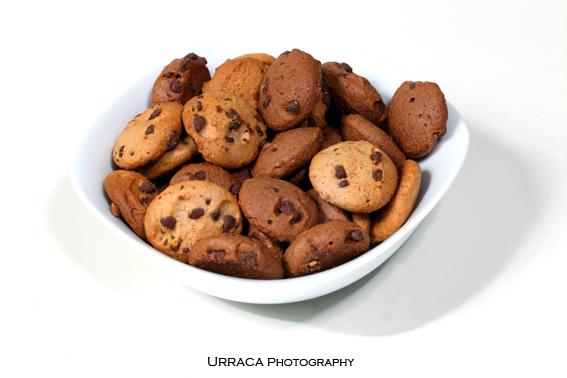 Chocolate cookies o a white bowl